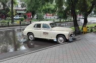 This car stays near the Abakan hotel, nice place to stay with a good Italian restaurant